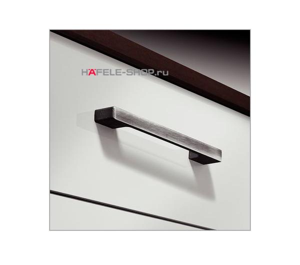 Мебельная ручка, цвет состаренное железо, поверхность ошкуренная, длина 192 мм.