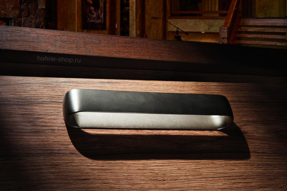 Мебельная ручка, цвет нержавеющая сталь состаренная, длина 206 мм.