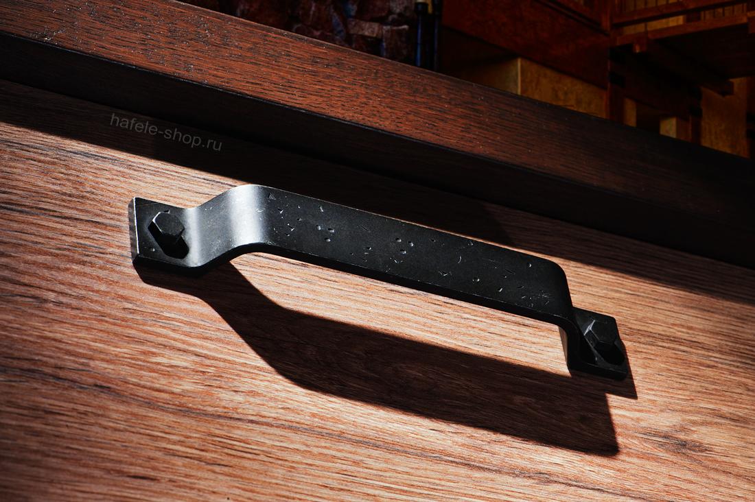 Ручка ретро мебельная, цвет железо состаренное, длина 180 мм, между винтами 160 мм