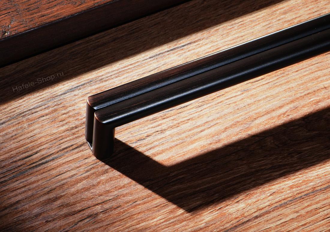 Ручка, винтажный стиль, цвет античная медь, длина 138 мм, между винтами 128 мм