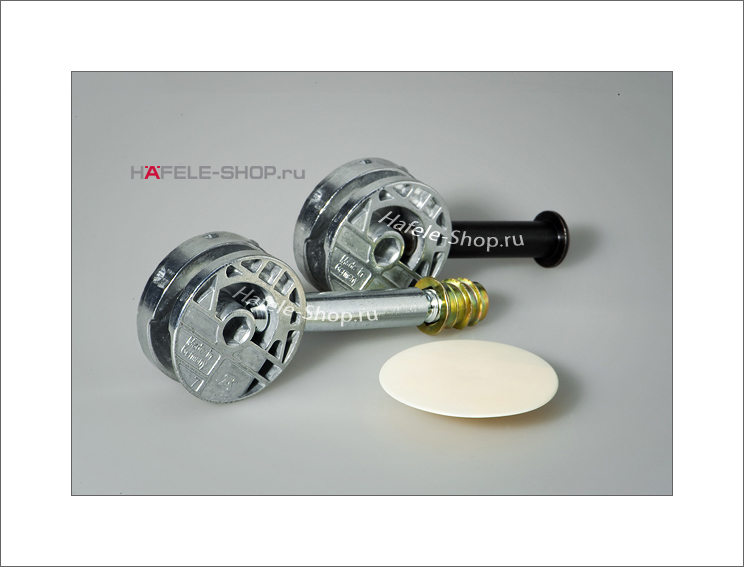 Ввинчиваемая муфта M 6 длина 17 мм для отверстия 8 мм желтое хромирование