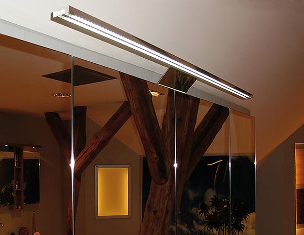 Светильник светодиодный, LED1809, свет теплый белый, длина 600 мм.