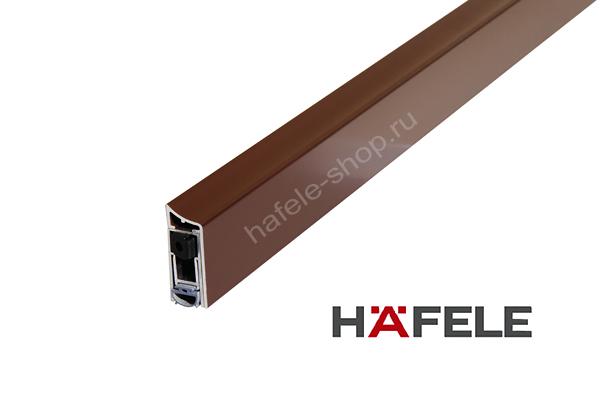 Накладной порог для двери, цвет коричневый RAL 8017, длина 830 мм.